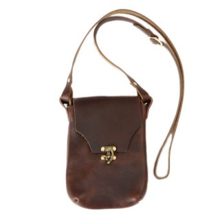 <img class='new_mark_img1' src='https://img.shop-pro.jp/img/new/icons14.gif' style='border:none;display:inline;margin:0px;padding:0px;width:auto;' /> Fernand Leather Latch Pouch Medium - Brown