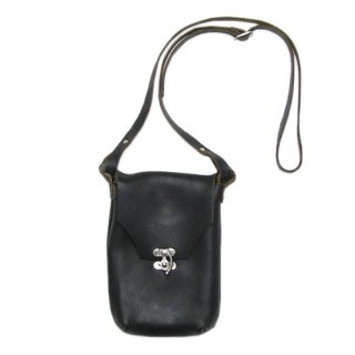 <img class='new_mark_img1' src='https://img.shop-pro.jp/img/new/icons14.gif' style='border:none;display:inline;margin:0px;padding:0px;width:auto;' />Fernand Leather Latch Pouch Medium - Black