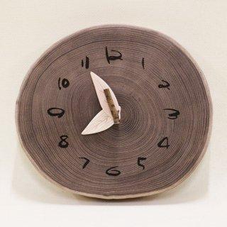 <span class='ic03'>送料無料</span>木の時計 『切り株時計』  エンジュ クォーツ clock-k-02 【売約済み!】