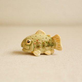 【中】陶器のあまご みずみずしい川魚