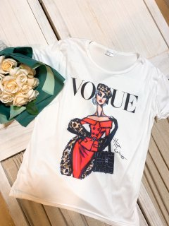 <img class='new_mark_img1' src='https://img.shop-pro.jp/img/new/icons11.gif' style='border:none;display:inline;margin:0px;padding:0px;width:auto;' />Vogue TシャツR