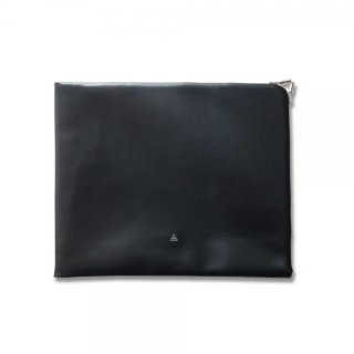 <img class='new_mark_img1' src='https://img.shop-pro.jp/img/new/icons15.gif' style='border:none;display:inline;margin:0px;padding:0px;width:auto;' />FLAT GAMAGUCHI CLUTCH