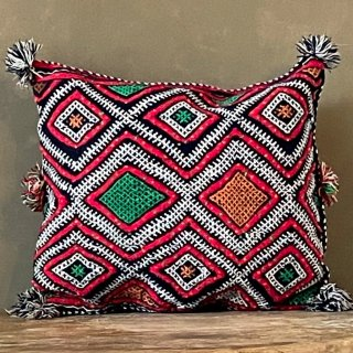 vintage rug Cushion Cover<img class='new_mark_img2' src='https://img.shop-pro.jp/img/new/icons4.gif' style='border:none;display:inline;margin:0px;padding:0px;width:auto;' />