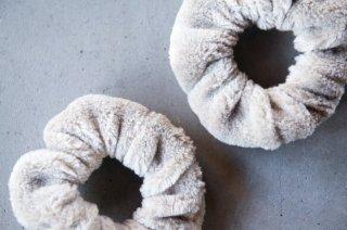 Organic Cotton Fur ヤク混グレージュのシュシュ【2個セット】