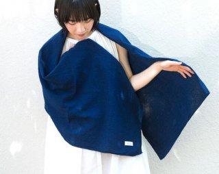 <img class='new_mark_img1' src='https://img.shop-pro.jp/img/new/icons5.gif' style='border:none;display:inline;margin:0px;padding:0px;width:auto;' />藍染Silk&Organic cotton ちりめん生地のストール