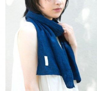 <img class='new_mark_img1' src='https://img.shop-pro.jp/img/new/icons5.gif' style='border:none;display:inline;margin:0px;padding:0px;width:auto;' />藍染Silk&Organic cotton ちりめん生地のコンパクトマフラー