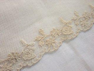 LR04002 お花と葉っぱ柄 綿刺繍チュール 13cm巾