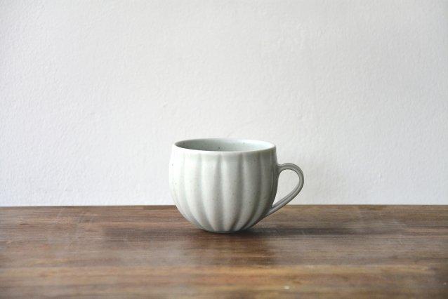 【若菜綾子】 彫りマグカップ