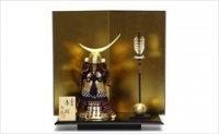 大越忠保作 艶消し金 紫紐 鎧飾り 「真鍮 伊達奉納」