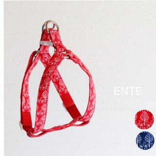 Ente Triangle Harness<br>Red / Navy<br>S / M / L<img class='new_mark_img2' src='https://img.shop-pro.jp/img/new/icons5.gif' style='border:none;display:inline;margin:0px;padding:0px;width:auto;' />