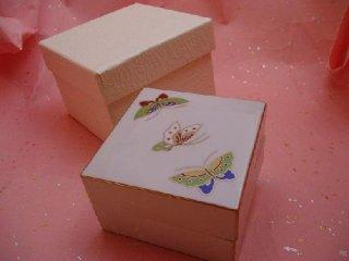 蝶絵小箱(化粧箱入り)