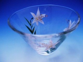 京絵付け手描きガラス百合絵小鉢