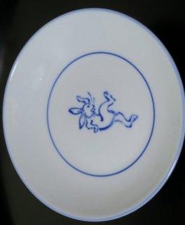 染付鳥獣戯画すもうウサギ4寸皿