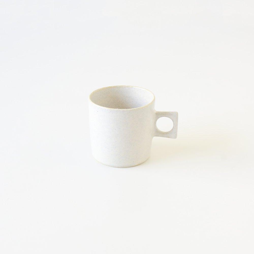 白釉カップ
