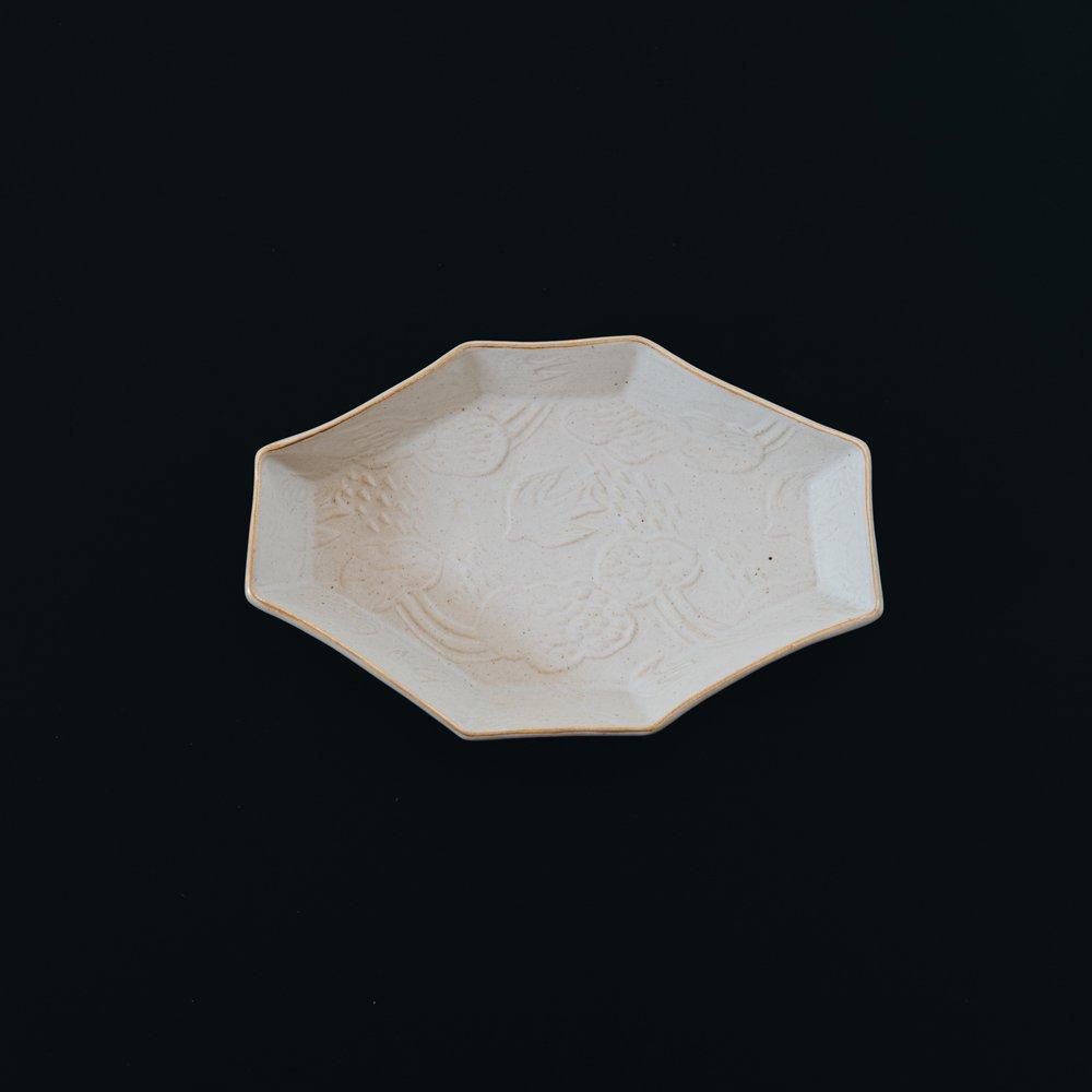 前田葉子 八角皿白 (2020年11月) M10