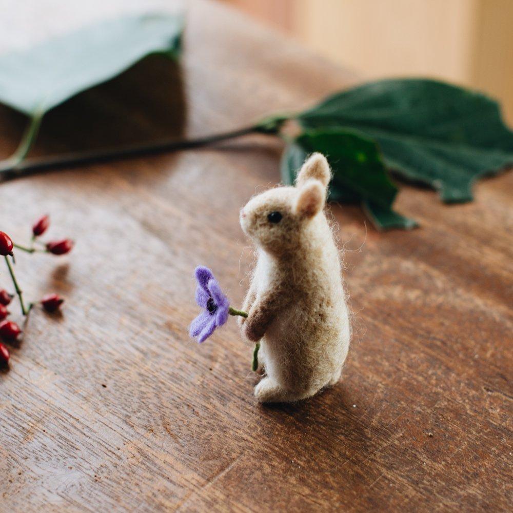 higuma ウサギ (置き物)2