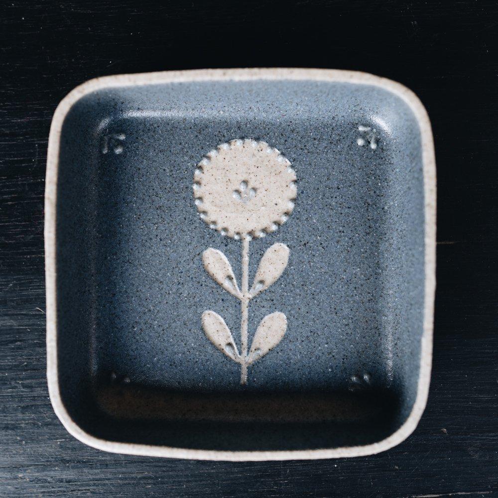 苔色工房 四角小鉢凸  g