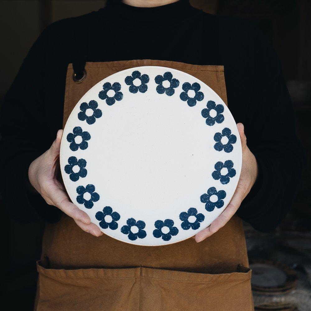 (2020年9月)東原窯 化粧小花8寸皿
