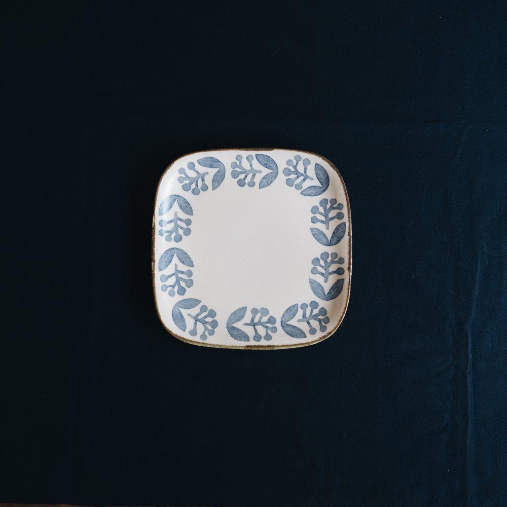 2021年2月20(土)18:00〜「くらしの中のイロドリ展」かとうようこ 四方皿 実 か9