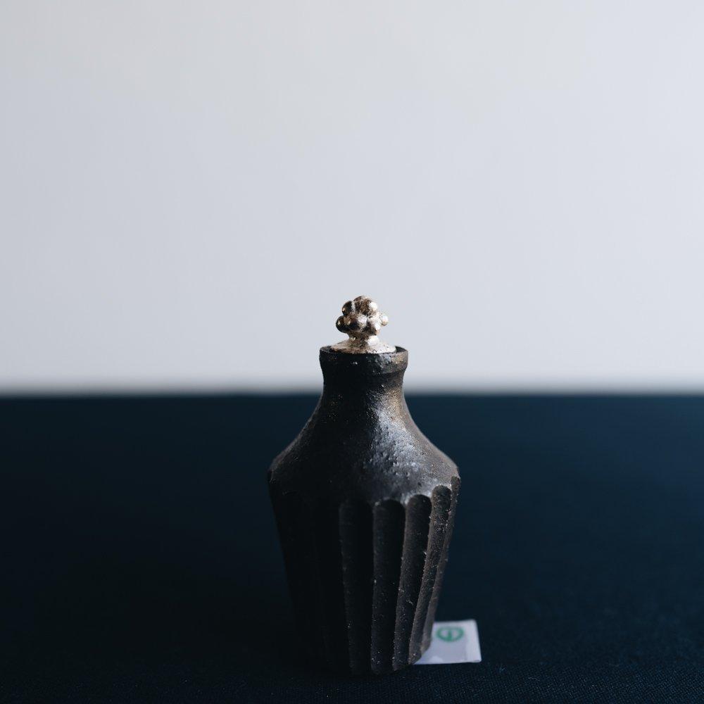 前田葉子 蓋付豆花器黒 (2020年11月) M23