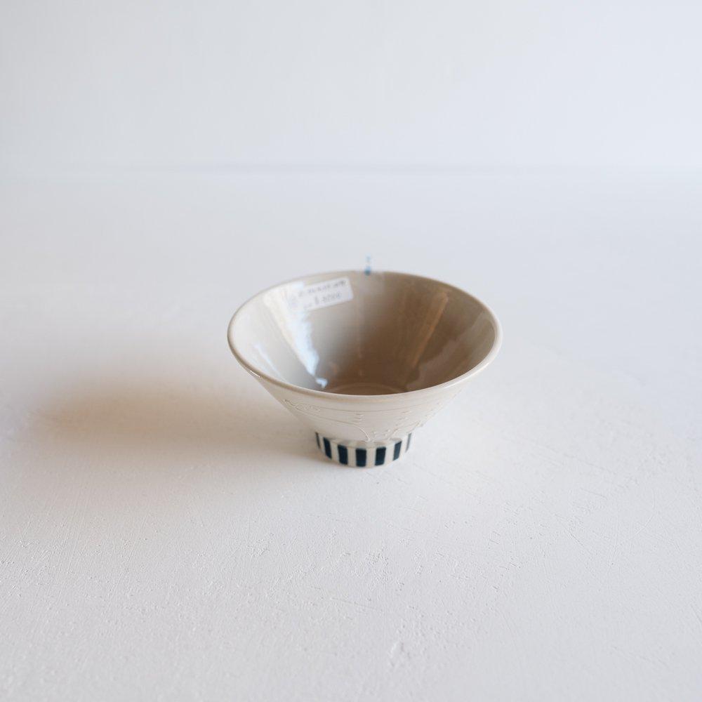 (2021年夏の陶器市)   東峯未央  イッチンシロクマ飯わん 4.5寸 と6a