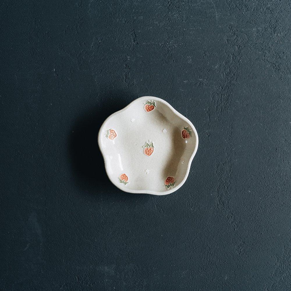【2021年7月】  中村佳菜子 (梅花型小皿 いちご)  (N4)