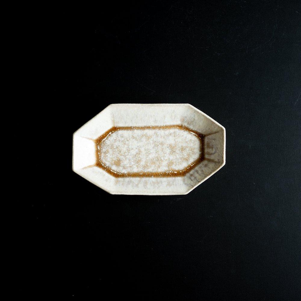 【2021年WEB個展】 広瀬佳子 八角ロングプレートS  (白茶)  (ひ6c)