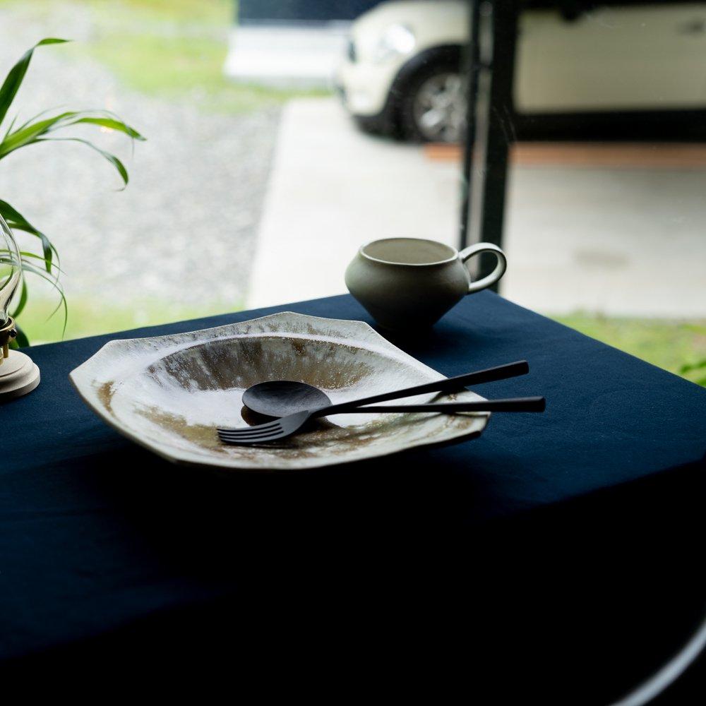 【2021年WEB個展】 広瀬佳子 隅切りスクエアプレート  (白茶)  (ひ7c)