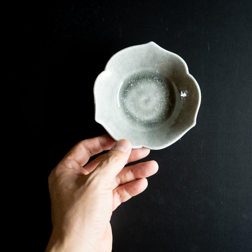 【2021年WEB個展】 広瀬佳子 三葉小鉢S  (霜降りグレー)  (ひ8a)