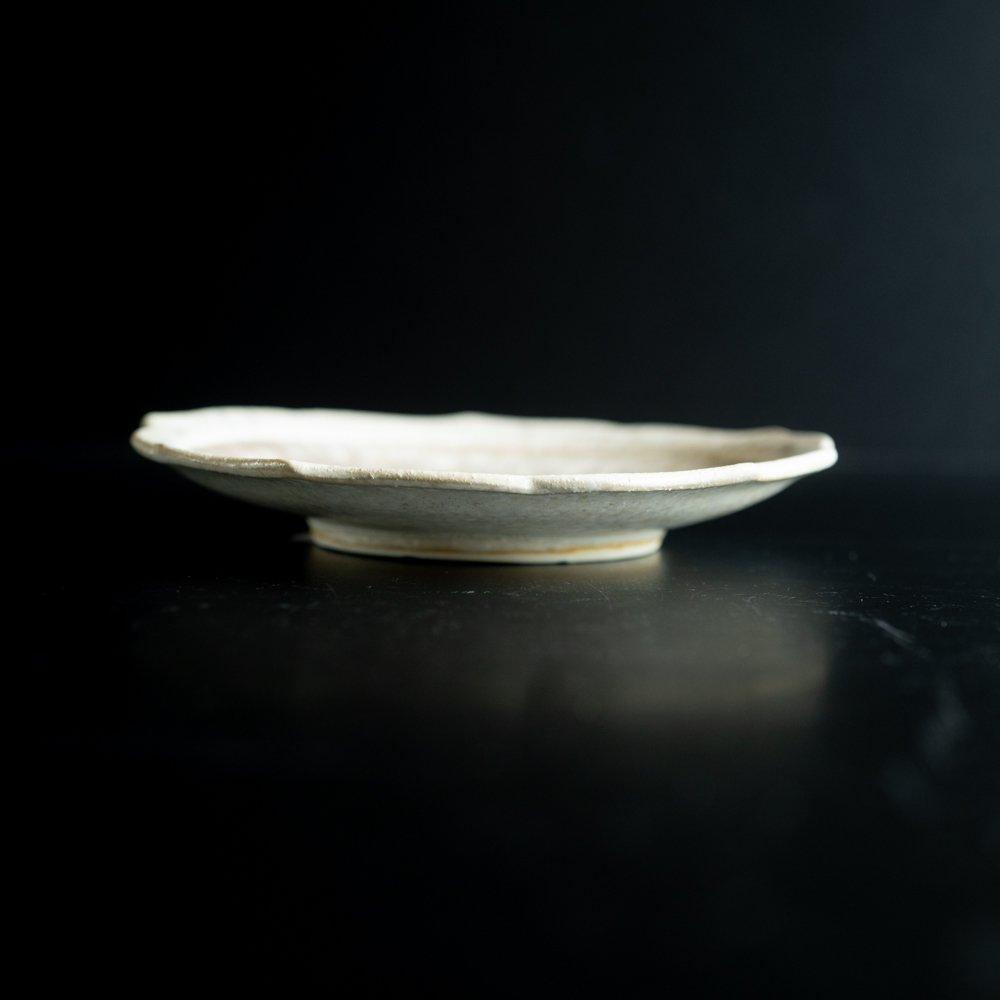 【2021年WEB個展】 広瀬佳子 6寸花皿  (白茶)  (ひ12b)