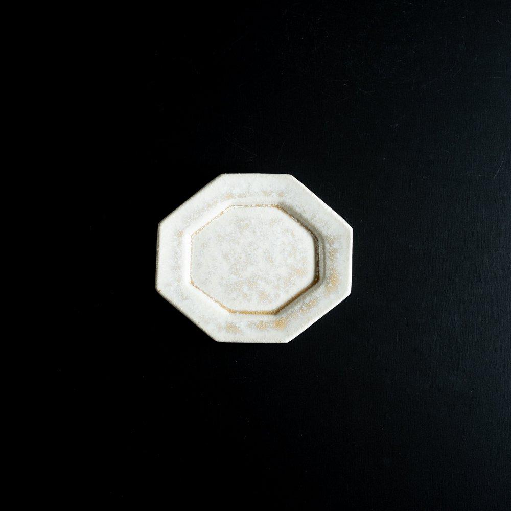 【2021年WEB個展】 広瀬佳子 変わり八角皿  (白茶)  (ひ18a)