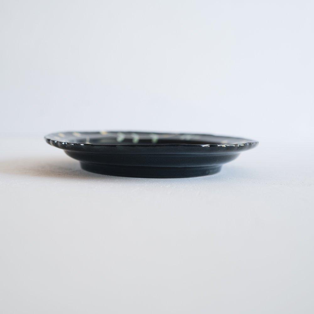【2021年9月】 矢島操 黒地イロエ彩リム皿  (や7-6)