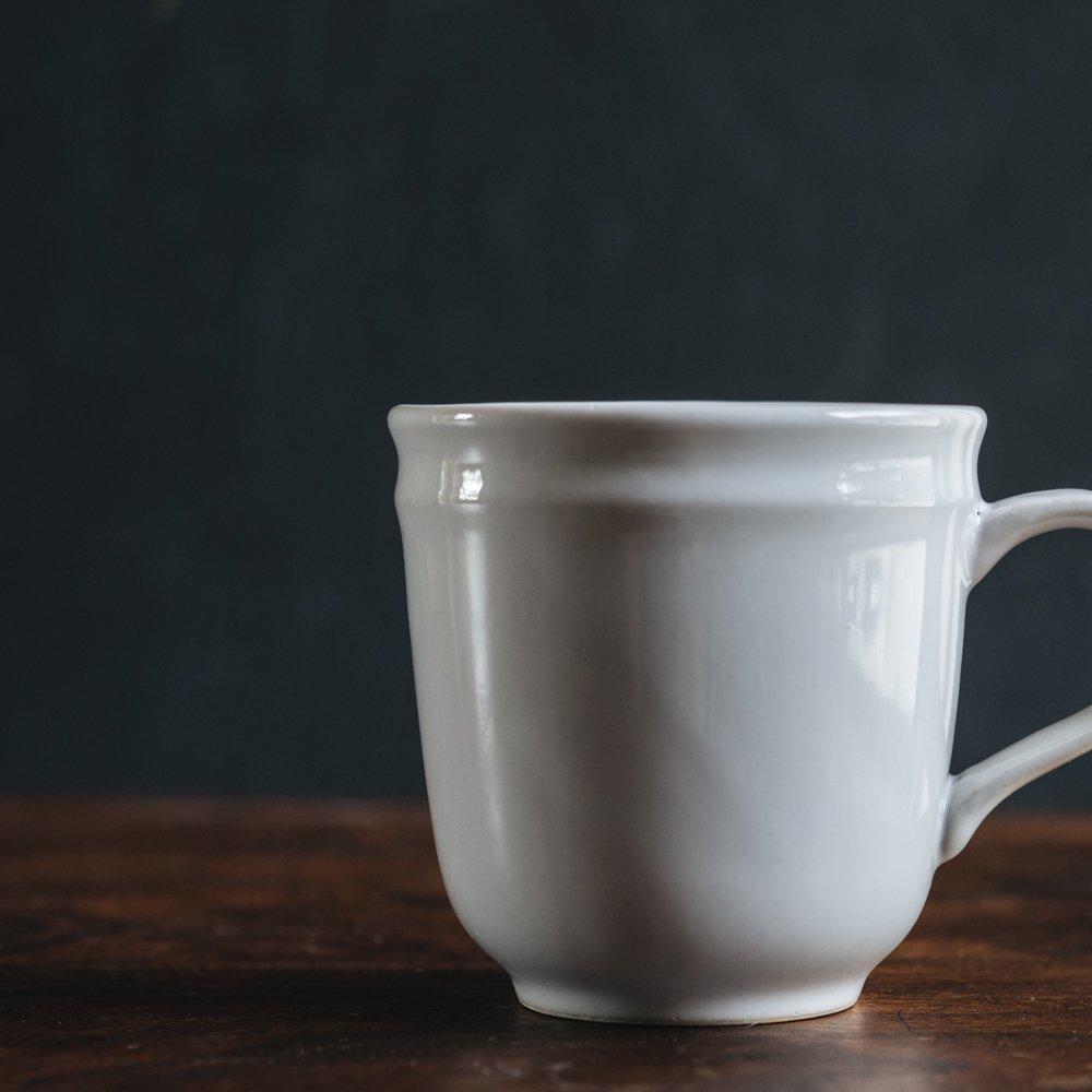 (2021年9月) かもめ製作所  淵彫マグカップ (白つや釉)