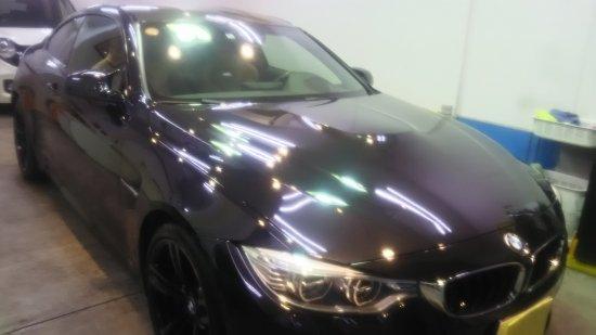 BMWM4・ボディガラスコーティング施工のご依頼!【画像2】