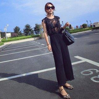 リゾート オールインワン コーデ 結婚式 ノースリーブ ワイド パンツドレス レース フラワー 花柄 黒 ブラック