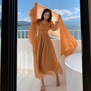 シンプルエレガントなシフレアドレス ふんわりフェミニンなシフォンの長袖マキシワンピース