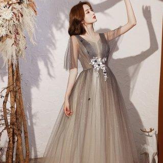 リゾートウェディングやカラードレスにも エレガントなグラデチュールのラメ入りマキシ丈フレアドレス