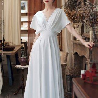 リゾートウェディングにもおすすめ エレガントなバックシャンのマキシ丈白ワンピース ドレス