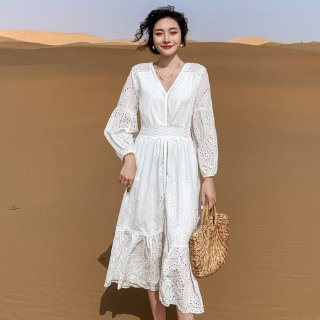 人気の海外デザイン 大人かわいい透かしレースの袖ありロングワンピース 2パターン
