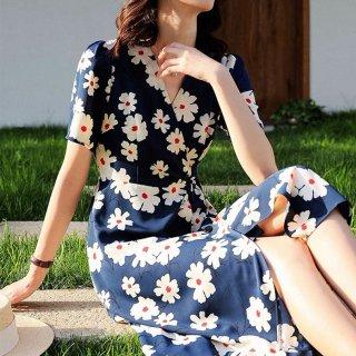 レトロかわいい花柄プリント お呼ばれにも使えるカシュクールの膝丈半袖ワンピース