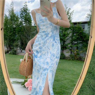お呼ばれドレスにもおすすめ タイトな美シルエットのミディ丈キャミソールドレス ワンピース