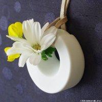 身に着けられる花瓶 ペンダントCOSMO