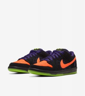 SB DUNK LOW NIGHT OF MISCHIEF《Black/Total Orange-Court Purple-Volt》