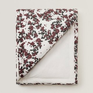 <img class='new_mark_img1' src='https://img.shop-pro.jp/img/new/icons14.gif' style='border:none;display:inline;margin:0px;padding:0px;width:auto;' />garbo & friends  Cherrie Blossom Filled Blanket  90×120