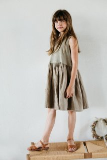 <img class='new_mark_img1' src='https://img.shop-pro.jp/img/new/icons20.gif' style='border:none;display:inline;margin:0px;padding:0px;width:auto;' />MINGO  Sleeveless dress / laurel oak 30%off.    1-2y last one!