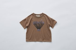<img class='new_mark_img1' src='https://img.shop-pro.jp/img/new/icons14.gif' style='border:none;display:inline;margin:0px;padding:0px;width:auto;' />eLfin Folk  UTOPIA Tee  kids サイズ / cocoa