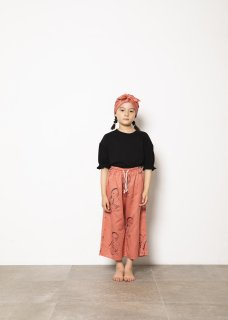 <img class='new_mark_img1' src='https://img.shop-pro.jp/img/new/icons14.gif' style='border:none;display:inline;margin:0px;padding:0px;width:auto;' />folk made  face print pants  / pink rose print