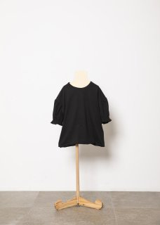 <img class='new_mark_img1' src='https://img.shop-pro.jp/img/new/icons20.gif' style='border:none;display:inline;margin:0px;padding:0px;width:auto;' />folk made  puff T-shirts / black 30%OFF