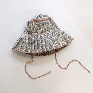 <img class='new_mark_img1' src='https://img.shop-pro.jp/img/new/icons14.gif' style='border:none;display:inline;margin:0px;padding:0px;width:auto;' />Lorna Murray Apparel   Adult capri hat /Avoca 112 last one!