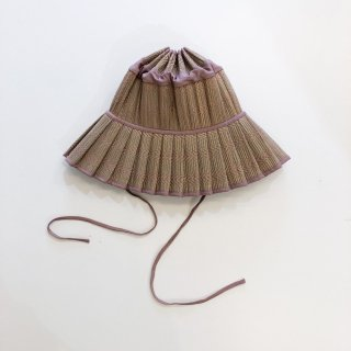 <img class='new_mark_img1' src='https://img.shop-pro.jp/img/new/icons14.gif' style='border:none;display:inline;margin:0px;padding:0px;width:auto;' />Lorna Murray Apparel   Adult capri hat /Flores Bungalow 118  M last one!